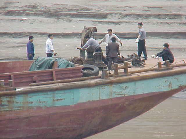 Ship's crew,       Yangtze River