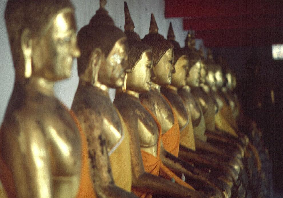 Golden buddhas  BANGKOK
